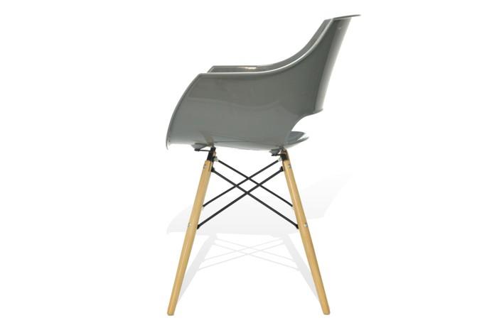 designerskie-krzeslo-z-plastiku
