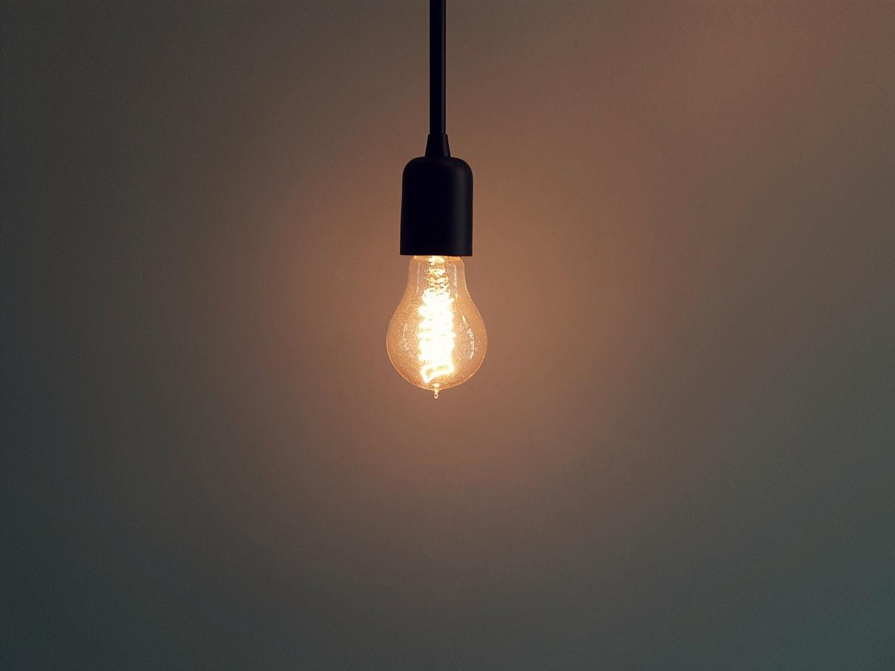 Jakie światło do salonu?