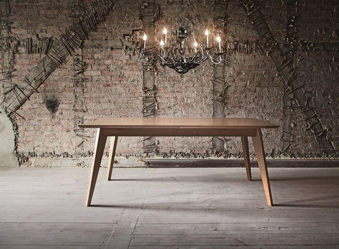 Stół z drewna dębowego do jadalni